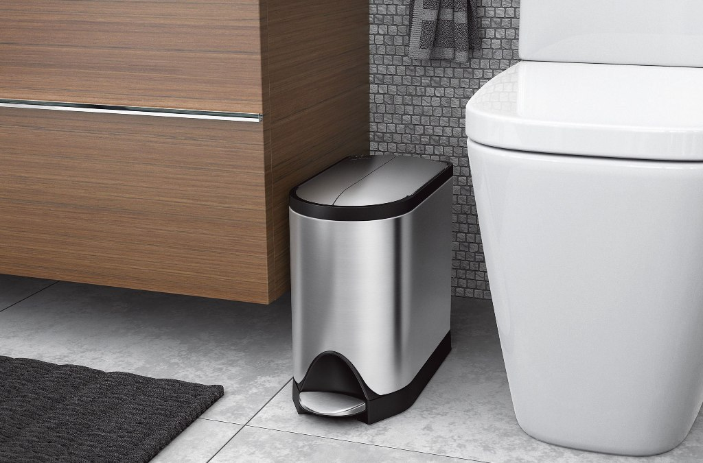 5 Best Bathroom Trash Cans In 2021 Top Rated Bathroom Waste Baskets Reviewed Skingroom